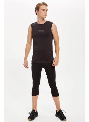 Defacto –Fit Slim Fit Sporcu Tayt Siyah